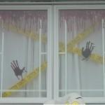 Fenêtre de maison sinistrée